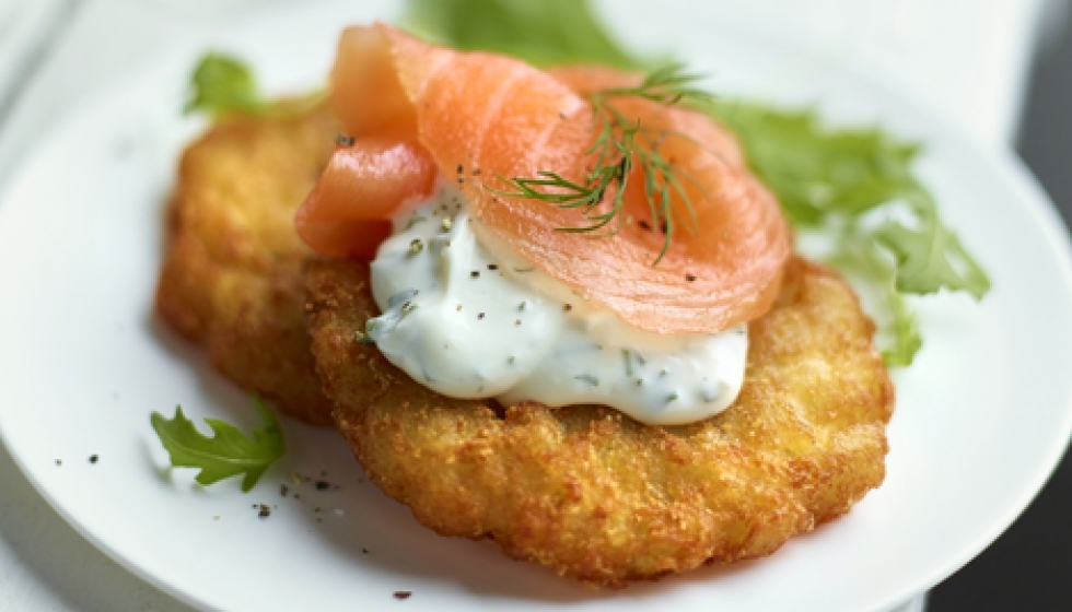 Home-made style hash brown with smoked salmon and ...